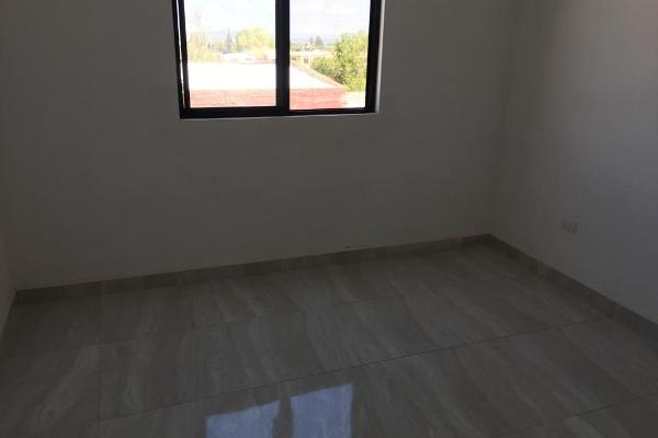 Foto de casa en venta en  , la palma, saltillo, coahuila de zaragoza, 14036260 No. 02