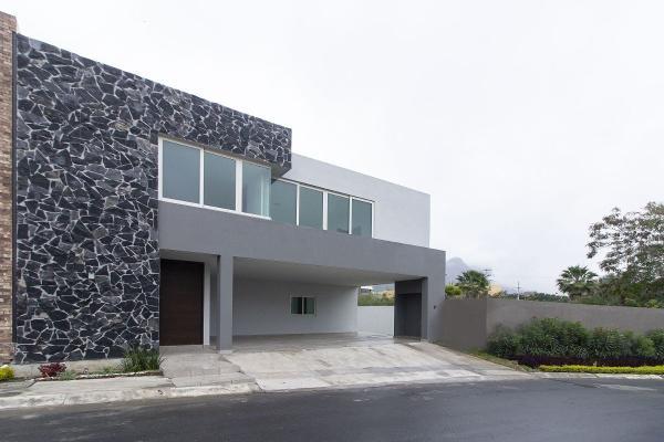 Foto de casa en venta en  , laderas del mirador (f-xxi), monterrey, nuevo león, 14037998 No. 01