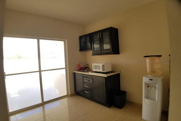 Foto de casa en venta en  , las arboledas 3ra etapa, torreón, coahuila de zaragoza, 9236259 No. 02