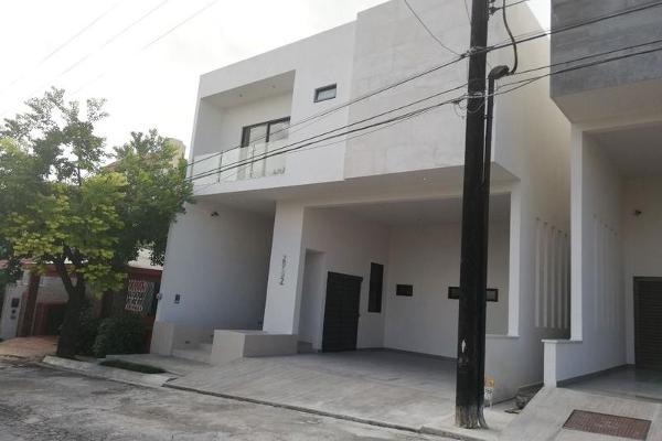 Foto de casa en venta en  , las cumbres 5 sector a, monterrey, nuevo león, 7955182 No. 01