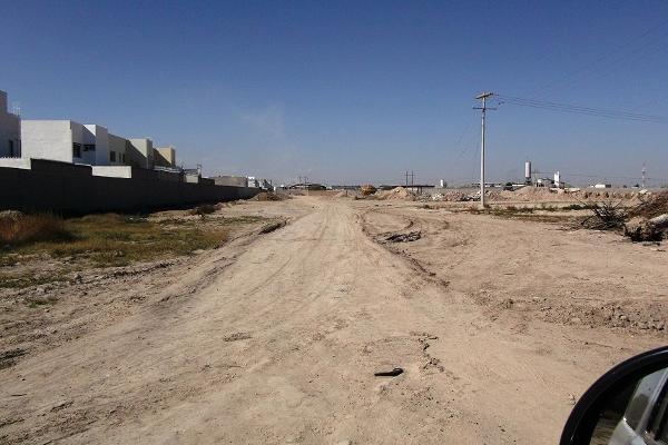 Foto de terreno habitacional en venta en  , las trojes, torreón, coahuila de zaragoza, 2737334 No. 04