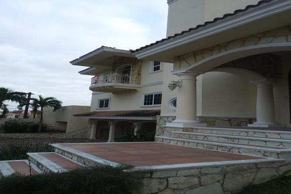 Foto de casa en venta en  , las villas, tampico, tamaulipas, 7876473 No. 03