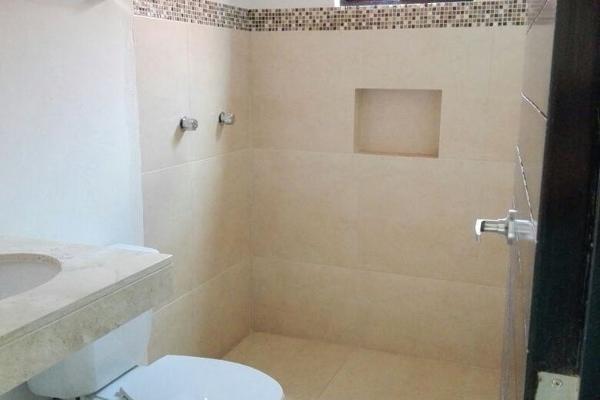 Foto de casa en venta en  , leandro valle, mérida, yucatán, 4556476 No. 02