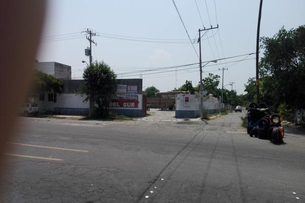 Foto de terreno comercial en venta en libramiento poniente de colima esquina calle sauz , prados de la villa, villa de álvarez, colima, 0 No. 01