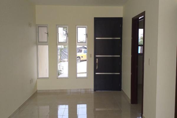 Foto de casa en venta en lirio , valle imperial, zapopan, jalisco, 14031705 No. 02