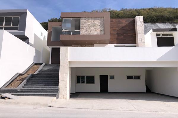 Foto de casa en venta en  , loma bonita, monterrey, nuevo león, 19678234 No. 01