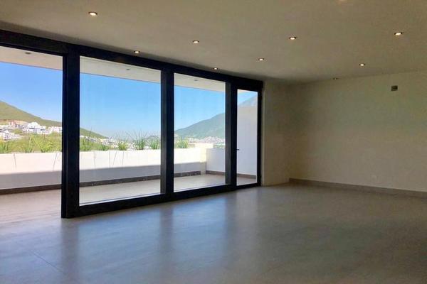 Foto de casa en venta en  , loma bonita, monterrey, nuevo león, 7958200 No. 01
