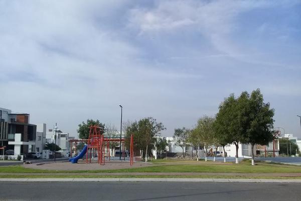 Foto de terreno habitacional en venta en  , loma juriquilla, querétaro, querétaro, 14033827 No. 02
