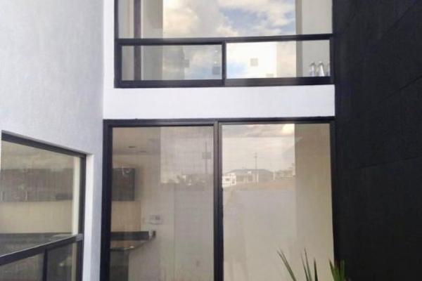 Foto de casa en renta en  , loma juriquilla, querétaro, querétaro, 14034701 No. 02