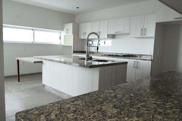 Foto de casa en venta en  , loma juriquilla, querétaro, querétaro, 14037420 No. 04