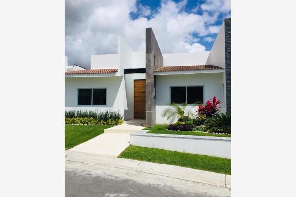 Foto de casa en venta en  , lomas de cocoyoc, atlatlahucan, morelos, 9945354 No. 01