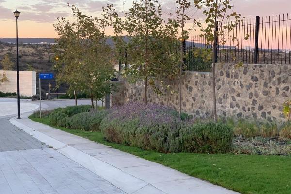 Foto de terreno habitacional en venta en  , lomas del campanario iii, querétaro, querétaro, 14022546 No. 04