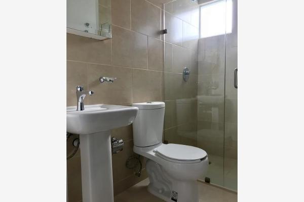 Foto de casa en venta en  , lomas del pedregal, irapuato, guanajuato, 5679508 No. 02