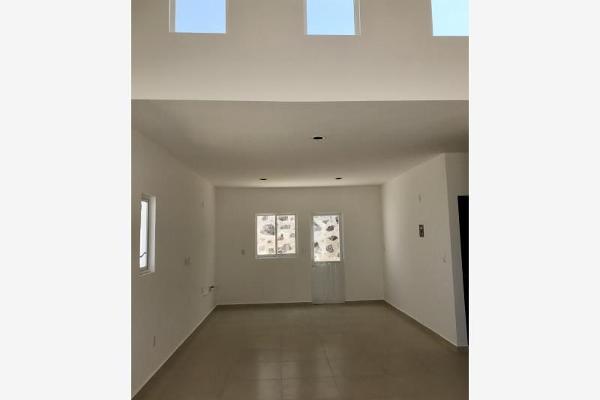 Foto de casa en venta en  , lomas del pedregal, irapuato, guanajuato, 5679508 No. 03