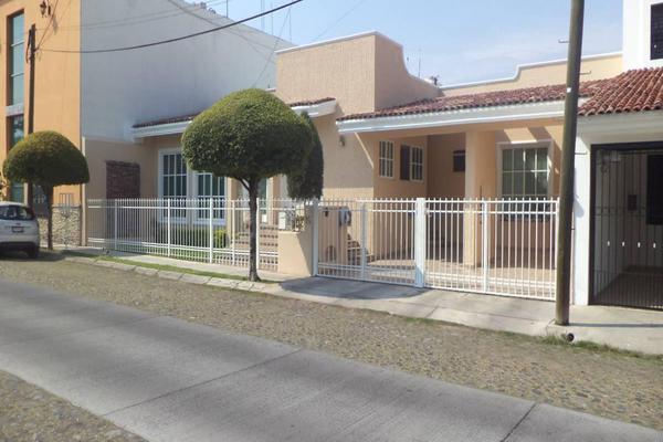 Foto de casa en venta en  , lomas verdes, colima, colima, 7254427 No. 02