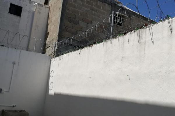 Foto de casa en venta en  , lombardo toledano, benito juárez, quintana roo, 12838802 No. 02