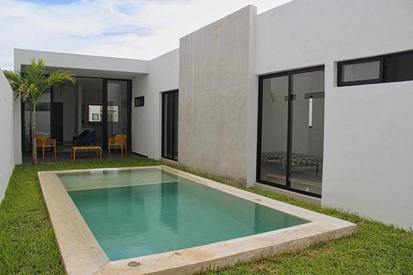 Foto de casa en venta en los alrededores de cholul , cholul, mérida, yucatán, 0 No. 02