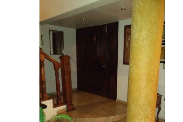 Foto de casa en venta en  , los cedros, monterrey, nuevo león, 8863614 No. 02