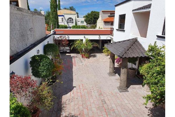 Foto de casa en venta en  , colinas del bosque 2a sección, corregidora, querétaro, 13329998 No. 02