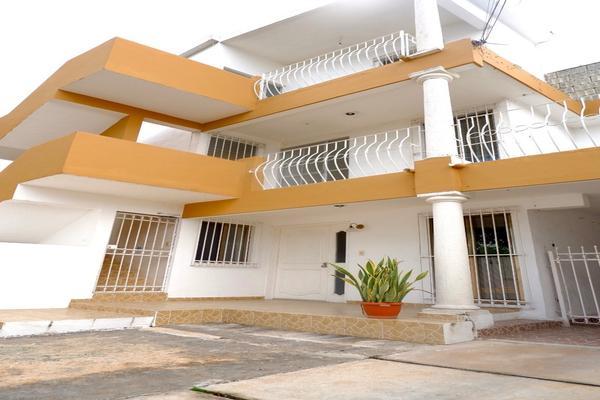 Foto de edificio en venta en  , los pinos, mérida, yucatán, 21427963 No. 01