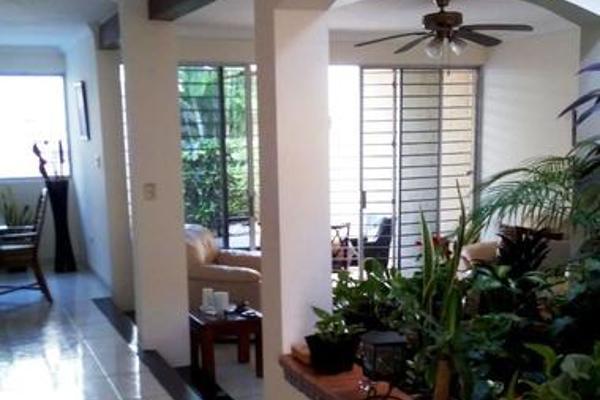 Foto de casa en venta en  , los pinos, mérida, yucatán, 7861385 No. 01
