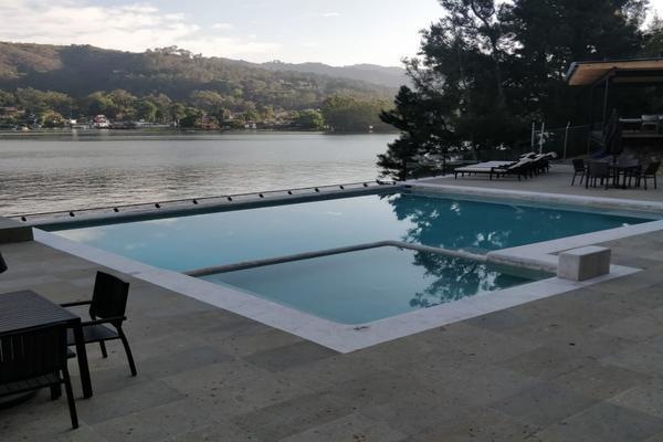 Foto de casa en venta en  , los saúcos, valle de bravo, méxico, 8265170 No. 01