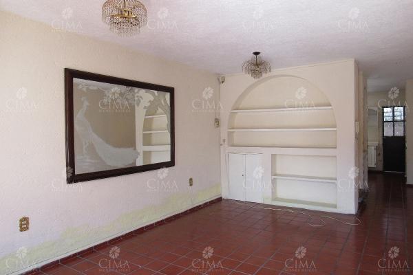 Foto de casa en venta en  , los tulipanes, cuernavaca, morelos, 5696011 No. 02