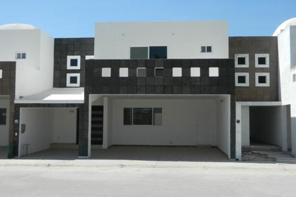 Foto de casa en venta en  , los vi?edos, torre?n, coahuila de zaragoza, 1057997 No. 01