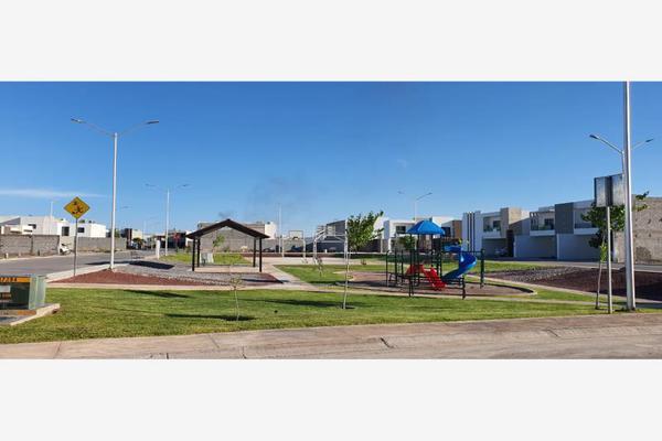 Foto de terreno habitacional en venta en  , los viñedos, torreón, coahuila de zaragoza, 0 No. 02