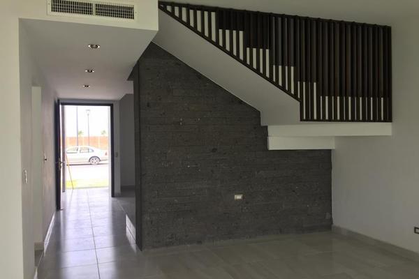 Foto de casa en venta en  , fraccionamiento lagos, torreón, coahuila de zaragoza, 5879135 No. 02