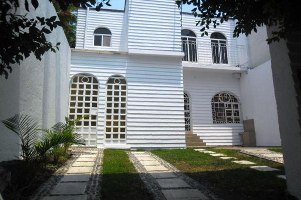 Foto de casa en venta en  , los volcanes, cuernavaca, morelos, 8115385 No. 01