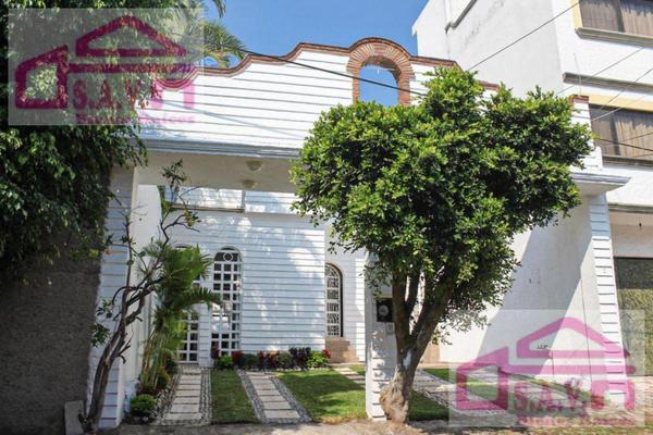 Foto de casa en venta en  , los volcanes, cuernavaca, morelos, 8145254 No. 01