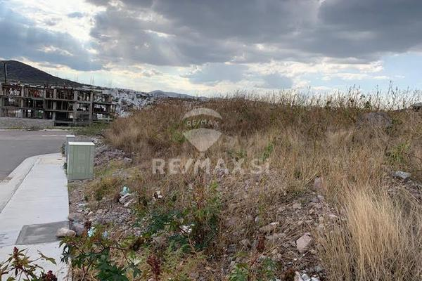 Foto de terreno habitacional en venta en lote , loma juriquilla, querétaro, querétaro, 8187423 No. 02
