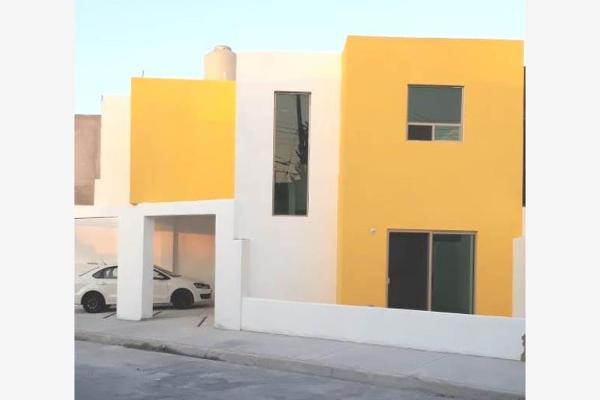 Foto de casa en venta en  , magisterio sección 38, saltillo, coahuila de zaragoza, 0 No. 02