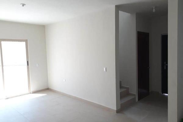 Foto de casa en venta en  , magisterio sección 38, saltillo, coahuila de zaragoza, 0 No. 04