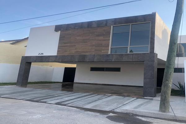 Foto de casa en venta en  , magisterio sección 38, saltillo, coahuila de zaragoza, 19224869 No. 03