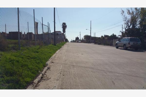 Foto de terreno habitacional en venta en calle martin moreno y boulevard hinsense 0, benito juárez, playas de rosarito, baja california, 6160229 No. 04