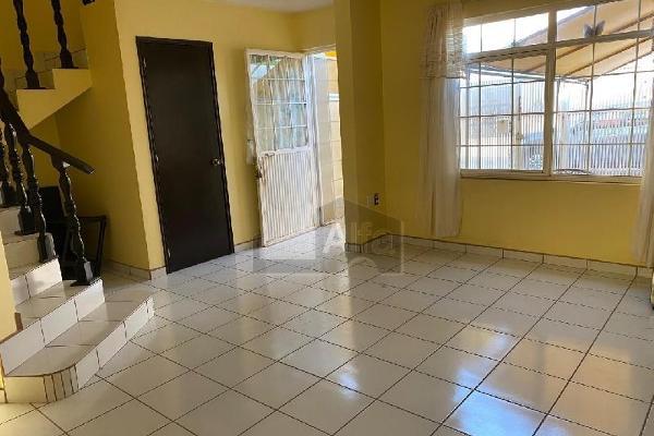 Foto de casa en venta en media vuelta , el cantar, celaya, guanajuato, 12271205 No. 02