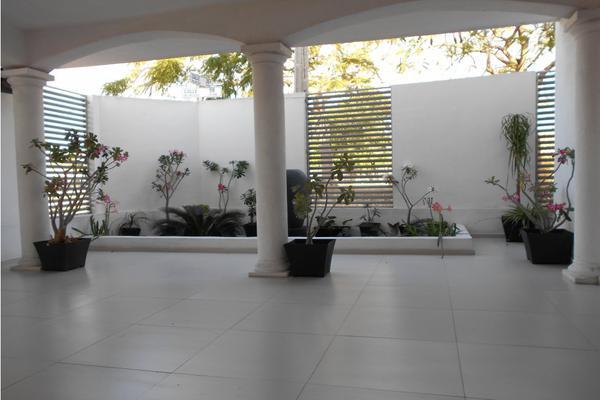 Foto de casa en venta en  , merida centro, mérida, yucatán, 8137909 No. 02