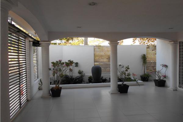 Foto de casa en venta en  , merida centro, mérida, yucatán, 8137909 No. 03