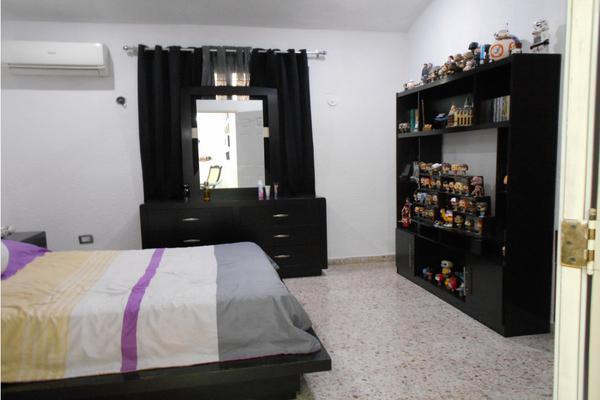 Foto de casa en venta en  , merida centro, mérida, yucatán, 8137909 No. 09