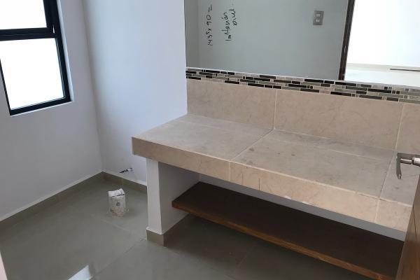 Foto de casa en venta en  , milenio iii fase a, querétaro, querétaro, 14034386 No. 02