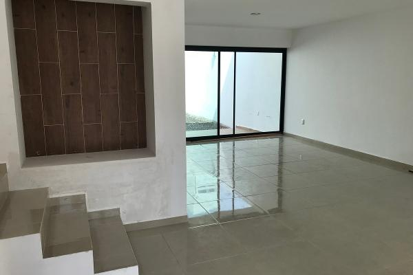 Foto de casa en venta en  , milenio iii fase a, querétaro, querétaro, 14034386 No. 03