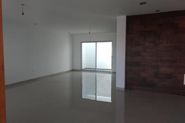 Foto de casa en venta en  , milenio iii fase b sección 10, querétaro, querétaro, 0 No. 08