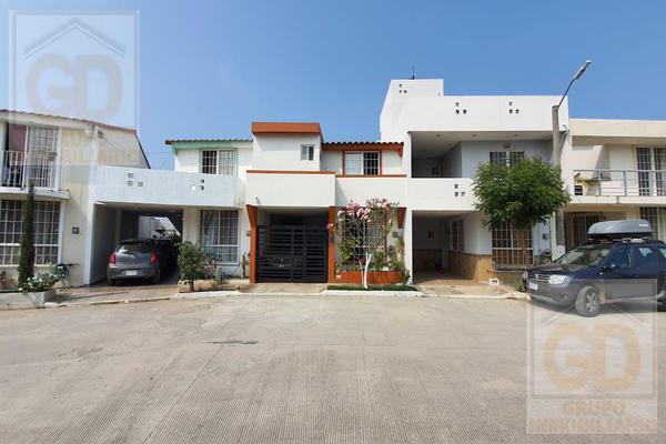 Foto de casa en venta en  , miramapolis, ciudad madero, tamaulipas, 18892001 No. 03