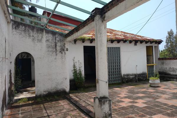 Foto de terreno comercial en venta en  , miraval, cuernavaca, morelos, 16355903 No. 01