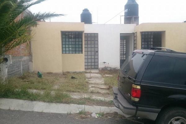 Foto de casa en venta en  , mision del valle, morelia, michoacán de ocampo, 2637960 No. 02