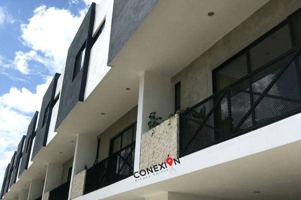 Foto de casa en renta en  , montebello, mérida, yucatán, 13409565 No. 01