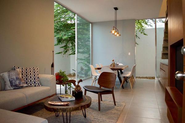 Foto de casa en venta en  , montebello, mérida, yucatán, 14028912 No. 01