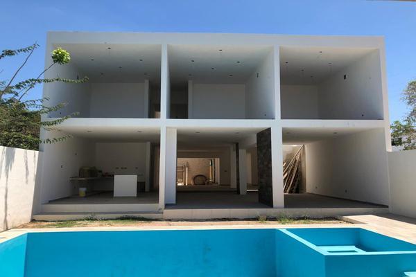 Foto de casa en venta en  , montebello, mérida, yucatán, 14028920 No. 03
